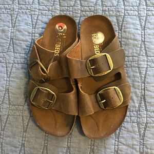 Great Condition!  White Mountain Sandals